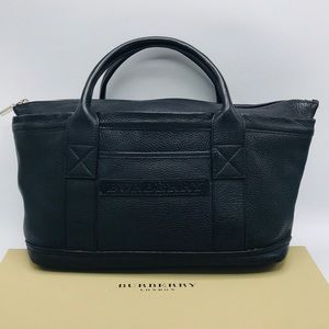 Burberry Black Leather Vintage Zip Closure Tote❤️